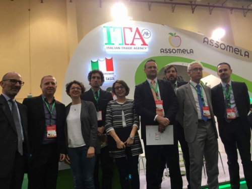 Assomela al Mac Fruit Attraction in Egitto
